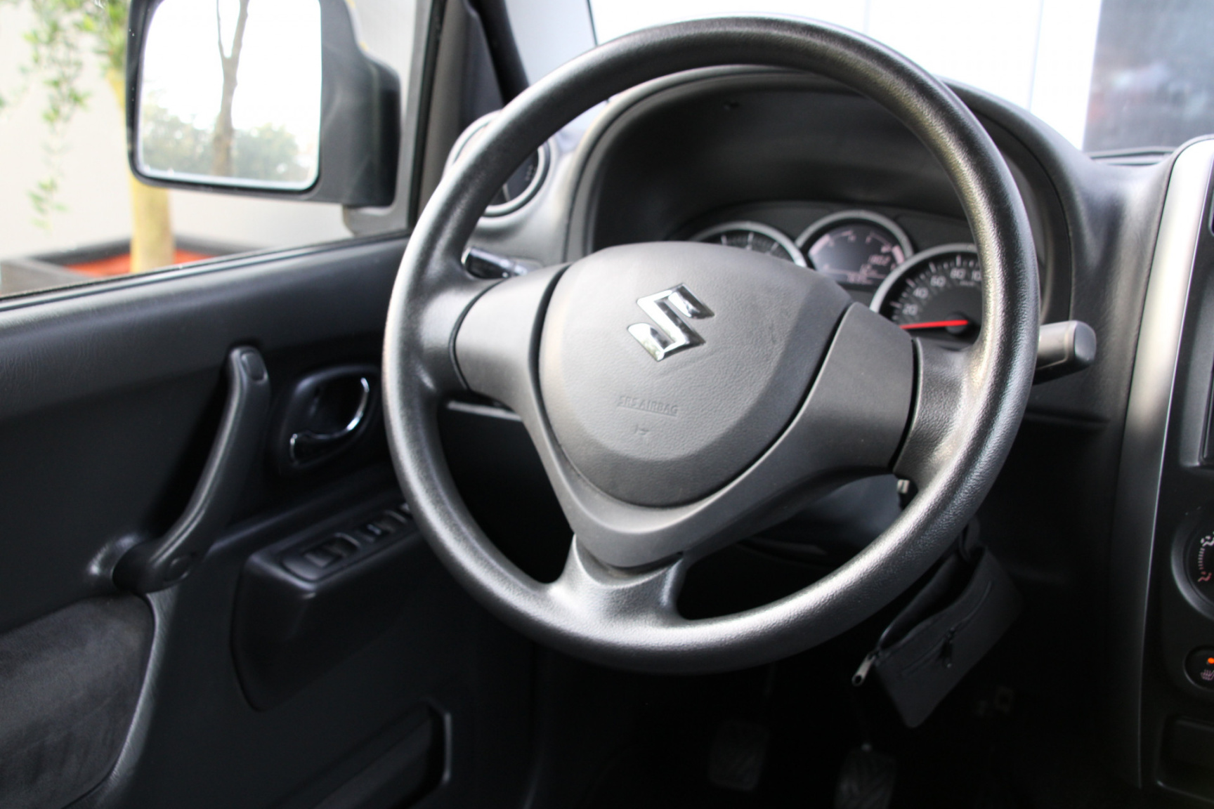 Suzuki-Jimny-16